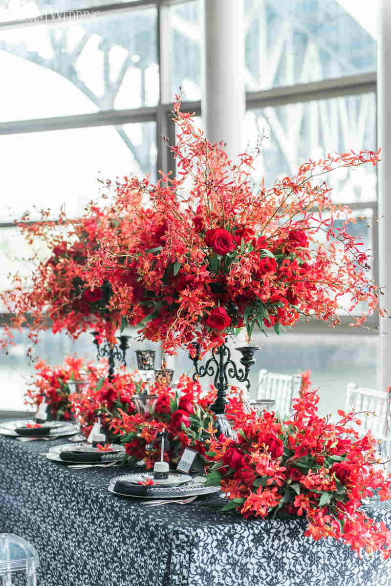 Bright Red Wedding Table