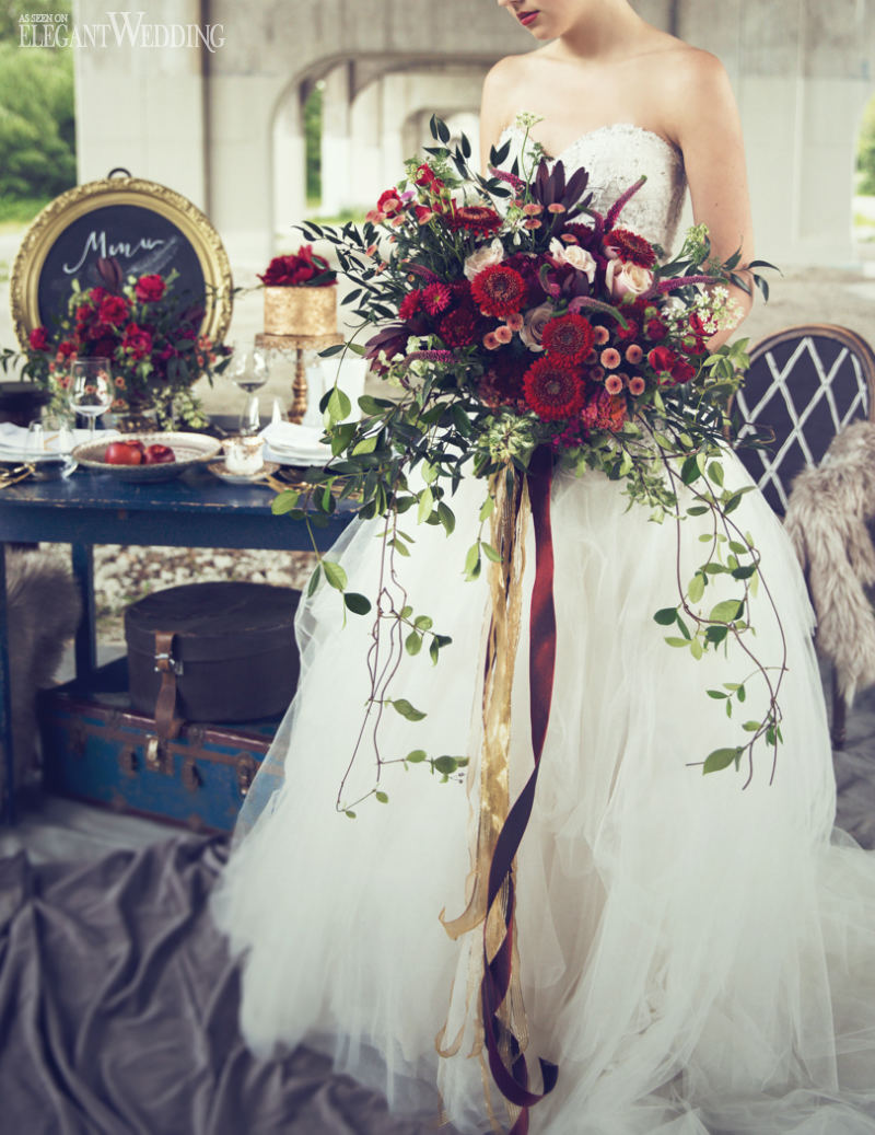Vintage red blue wedding decor elegantwedding this stunning style shoot is sure to inspire a bride looking for a bold bouquet see more style shoots here izmirmasajfo