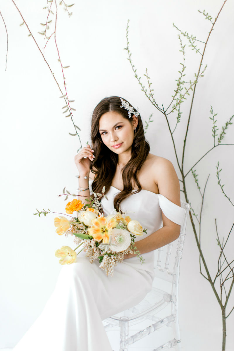 Bright & Minimal Yellow Wedding Ideas