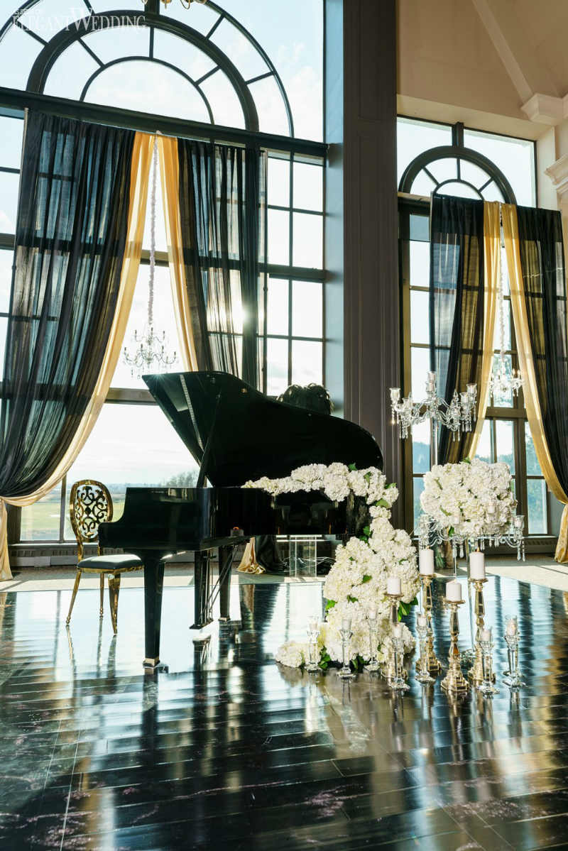 Grand Piano Wedding Decor