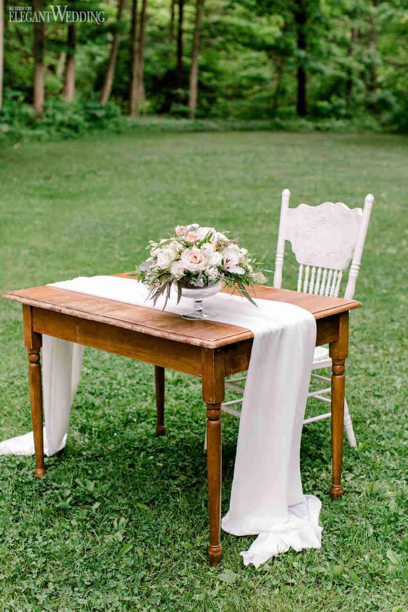 Vintage Wedding Signing Table