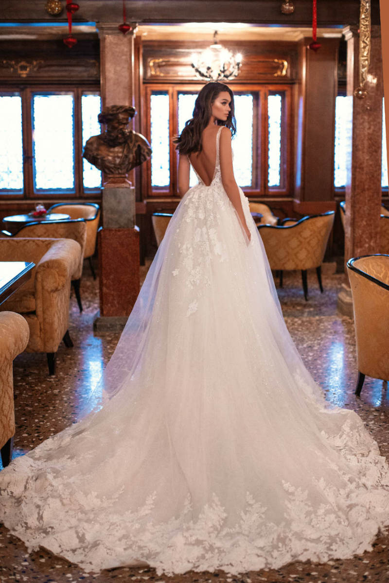 Lace Train Wedding Dress
