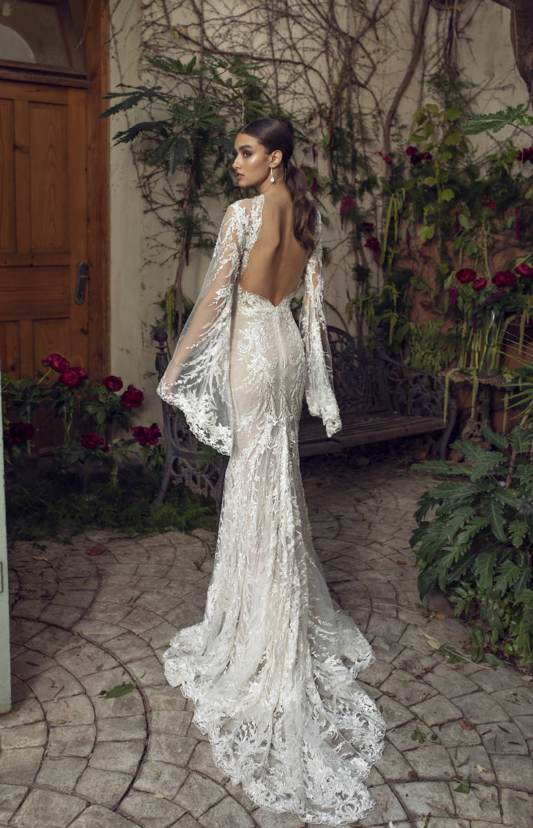Sexy Bell Sleeve Wedding Dress