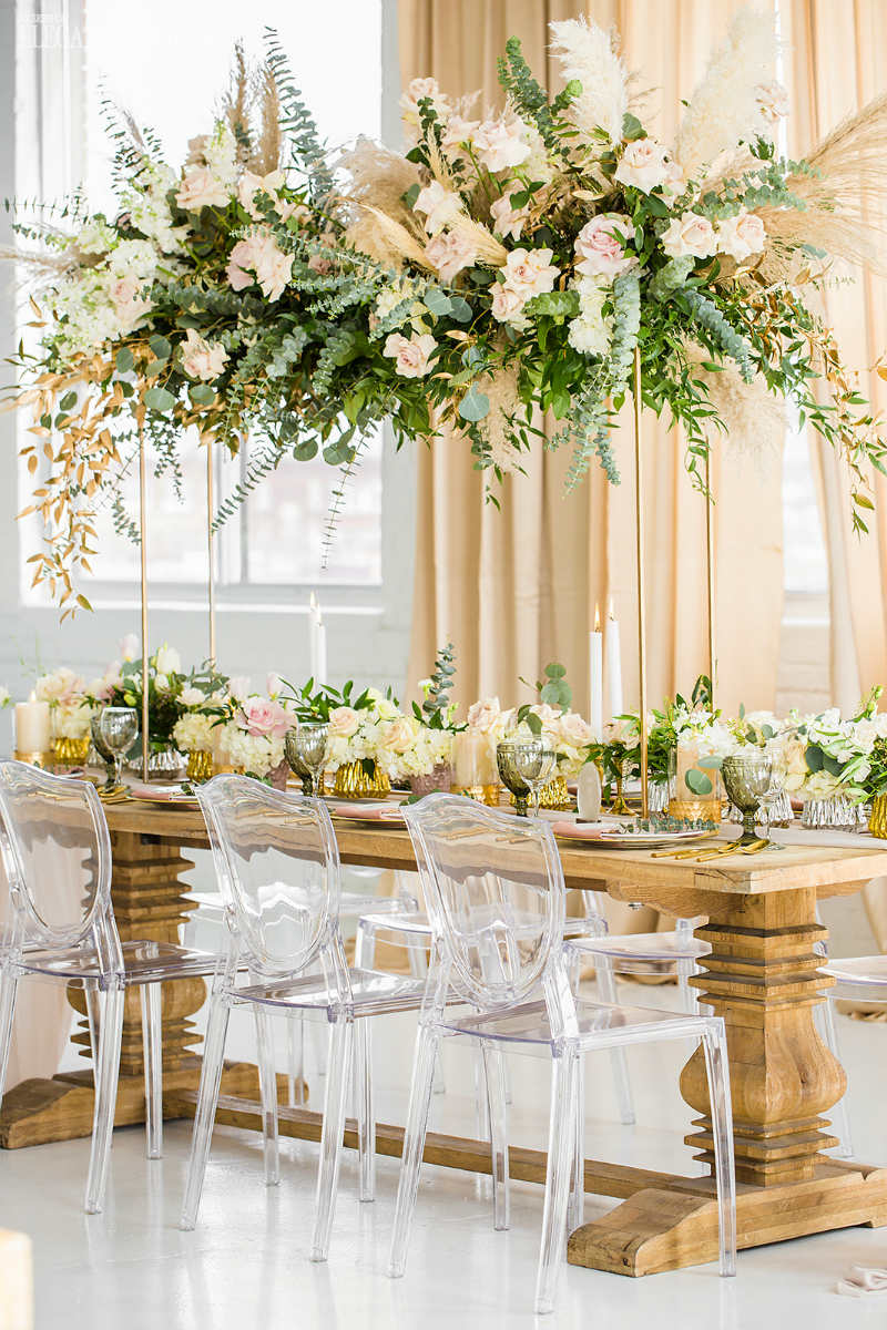 spectacular wedding centrepiece